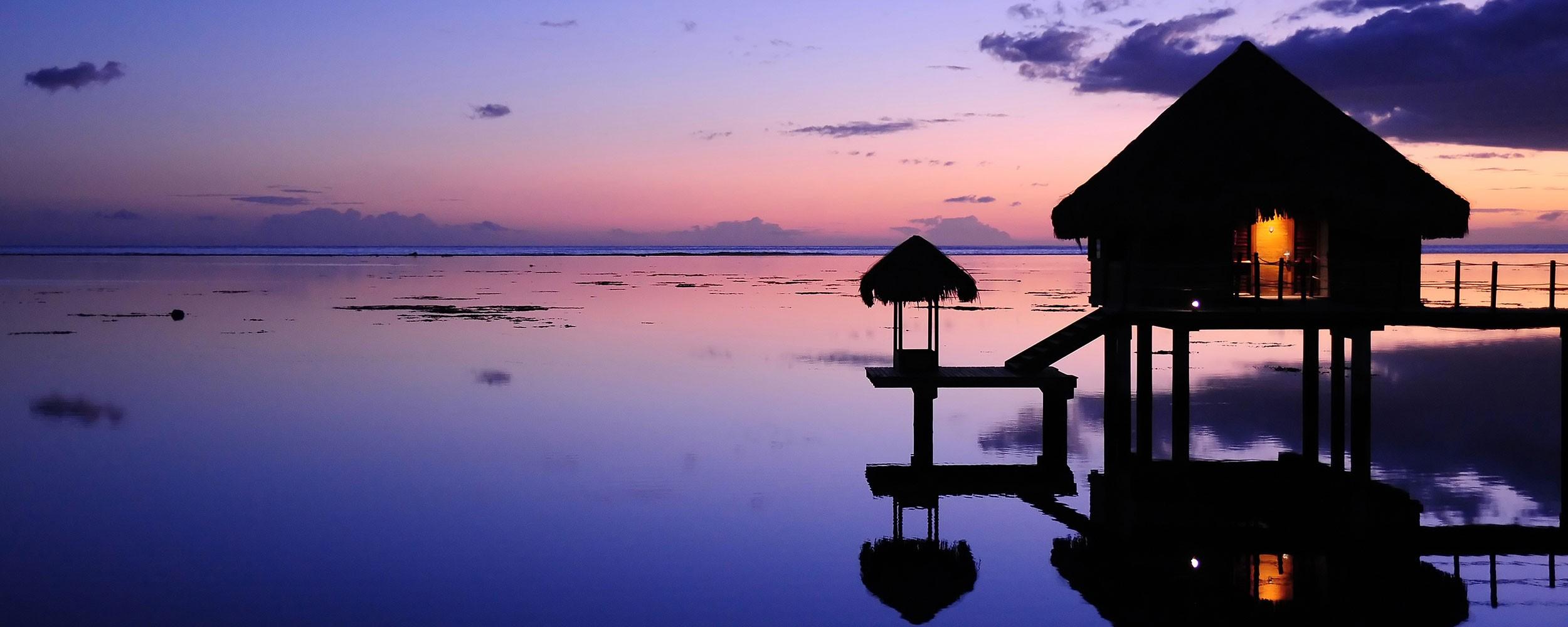 Polynésie Française Paillote coucher soleil