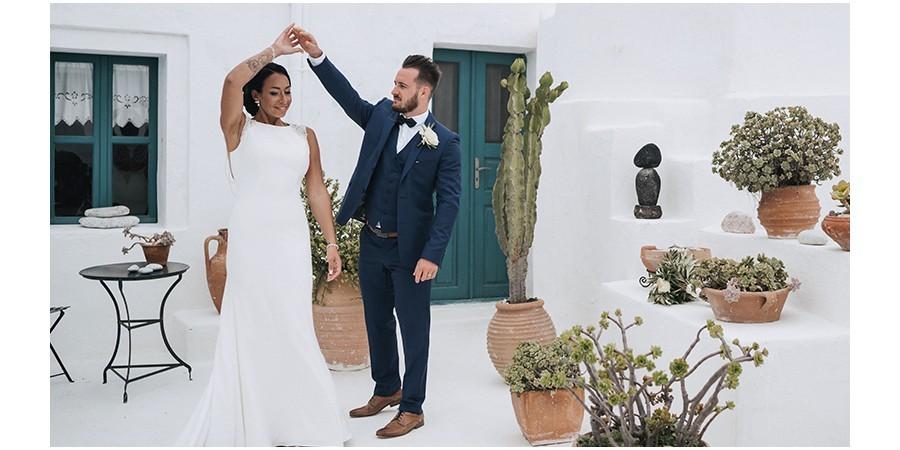 Adeline Maxime leur mariage idyllique sur la belle île de Santorin, en Grèce